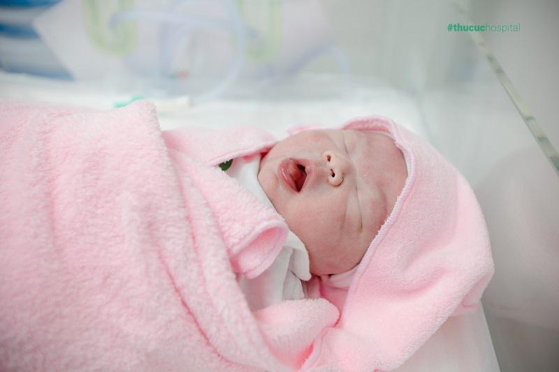 Bé sơ sinh được hưởng trọn quyền lợi tốt nhất sau sinh.