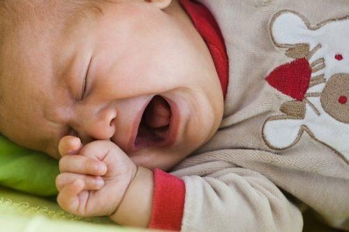 Viêm đường tiết niệu trẻ sơ sinh
