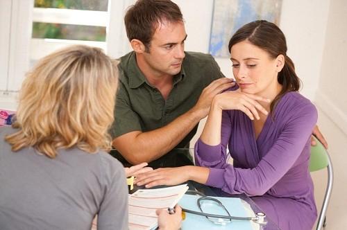 Nhìn chung các loại thuốc được sử dụng trong điều trị vô sinh hiếm muộn ở nữ giới có tác dụng giải phóng các hormone, kích hoạt hoặc điều chỉnh sự rụng trứng.