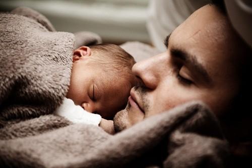 Cũng giống như phụ nữ cần phải cân bằng hormone để rụng trứng thường xuyên, nam giới cũng cần một số hormone giúp sản xuất đủ tinh trùng khỏe mạnh để thụ thai.