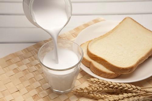 Sữa ít béo thường không tốt cho buồng trứng