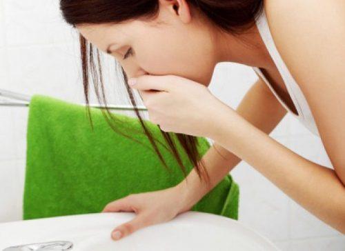 Khi nào viêm đường tiết niệu buồn nôn?