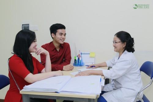 Một trong những nguyên tắc trong việc thăm dò và điều trị vô sinh là bác sĩ cần gặp cả 2 vợ chồng