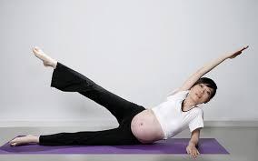 Cùng mẹ Bon tham khảo 5 tư thế Yoga hữu ích cho bà bầu