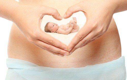 Mách mẹ cách tính cân nặng thai nhi chuẩn như bác sĩ
