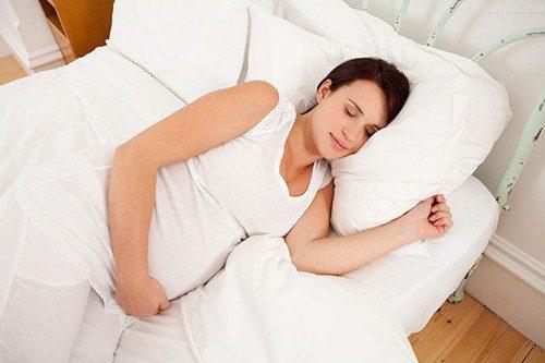 Nguyên nhân ra nhiều huyết trắng trong thai kỳ