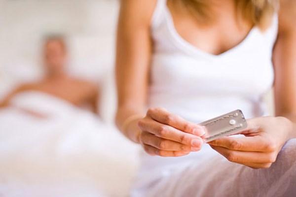 Có phải uống thuốc tránh thai khẩn cấp gây tắc vòi trứng?
