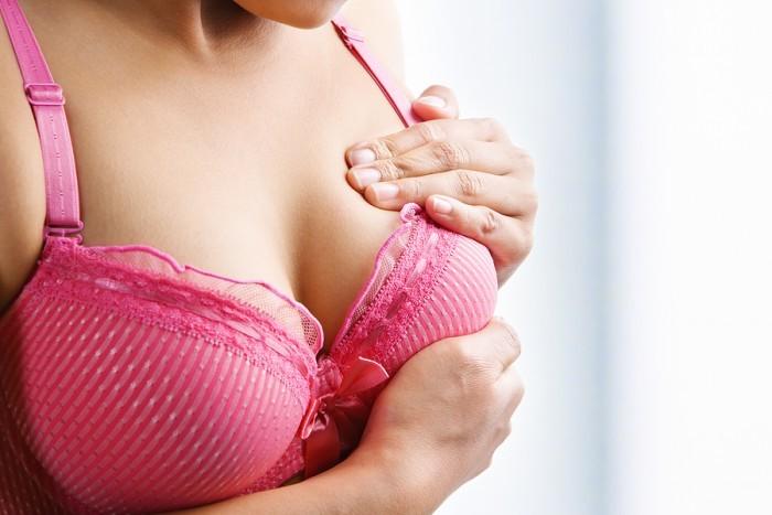 Kích thước bầu ngực thay đổi bất thường – Đừng chủ quan!