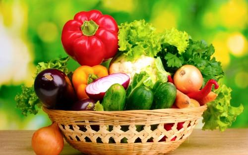 Rau xanh không chỉ cung cấp những dưỡng chất thiết yếu cho cơ thể mẹ bầu và thai nhi mà còn giúp ngừa táo bón hiệu quả