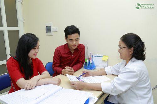 Việc thăm khám vô sinh hiếm muộn cùng nhau sẽ giúp các bạn nắm bắt được tình trạng sức khỏe của nhau, cùng nhau lắng nghe những tư vấn tốt nhất từ bác sĩ