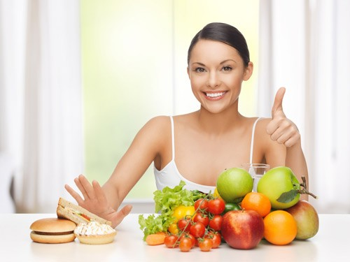 Chú ý trong chế độ ăn uống sinh hoạt, không nên ăn các chất béo, chất kích thích