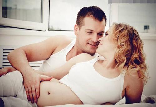 Có nên quan hệ tình dục ở tháng cuối thai kỳ?