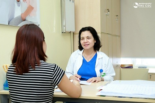 Chị em nên thăm khám phụ khoa để phát hiện sớm và ngừa viêm âm đạo