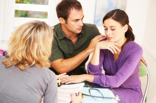 Hãy thăm khám vô sinh hiếm muộn nếu kết hôn trên 1 năm, không dùng biện pháp tránh thai nào mà vẫn chưa có tin vui