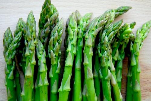 Loại thực phẩm này có chứa một chất hóa học alkaloid được gọi là asparigine, đẩy mạnh việc loại trừ các chất thải ra khỏi cơ thể một cách hiệu quả thông qua việc cải thiện chức năng hoạt động của thận.