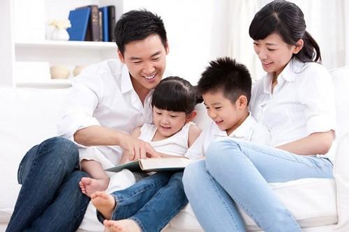 Sinh con trong độ tuổi sinh sản hợp lý giúp bạn có sức khỏe tốt, con thông mình và gia đình hạnh phúc