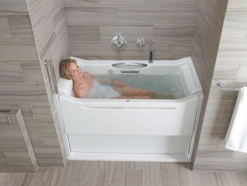 Ngâm mình quá lâu trong bồn tắm, chị em cũng dễ bị nấm, vi khuẩn có hại tấn công