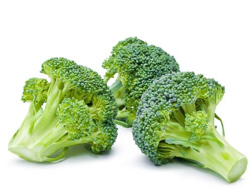 Khi thiếu máu, bà bầu thường có triệu chứng mệt mỏi, đau đầu. Do đó trong các bữa ăn hàng ngày, bà bầu nên bổ sung các thực phẩm giàu sắt như bông cải xanh… để bổ sung thêm hàm lượng sắt vào cơ thể.