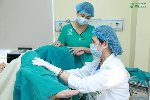 Bác sĩ sau khi thăm khám sẽ chỉ định điều trị thích hợp tùy vào từng tình trạng
