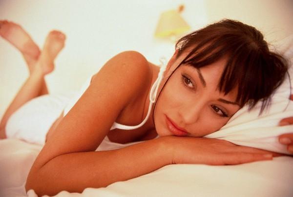 Ngứa vùng kín ở phụ nữ do đâu? Nguyên tắc điều trị thế nào?