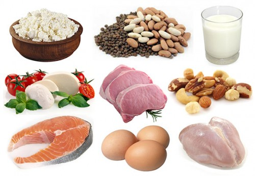 Theo nghiên cứu, những cặp vợ chồng có chế độ dinh dưỡng giàu protein và hàm lượng carb thấp có khả năng thụ thai cao gấp đôi những cặp vợ chồng có thực đơn hằng ngày với hàm lượng carb cao và protein thấp. Các chuyên gia cho rằng, chế độ ăn protein cao sẽ giúp nâng cao chất lượng nàng trứng và giúp những tinh binh hoạt động hiệu quả hơn. Lòng trắng trứng, thịt gia cầm, cá và các loại đậu là những nguồn protein chất lượng cao bạn nên bổ sung vào thực đơn của mình.