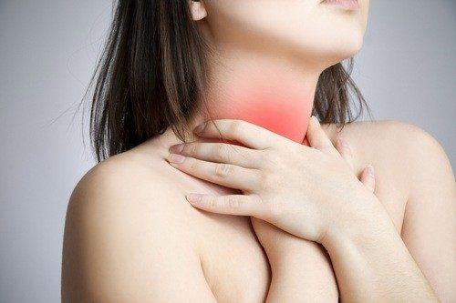 Bị ợ nóng khi mang thai là một triệu chứng thường gặp ở mẹ bầu.