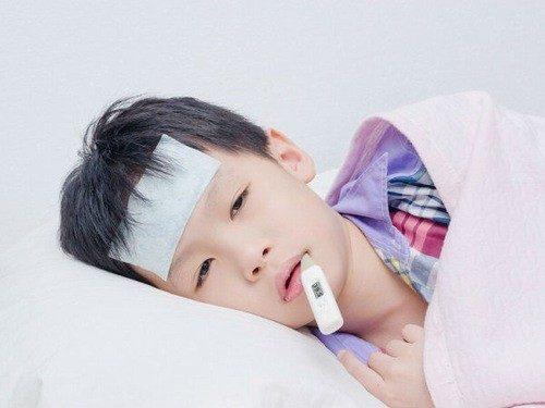 Nhanh chóng phát hiện ra những dấu hiệu sốt xuất huyết ở trẻ em là rất quan trọng