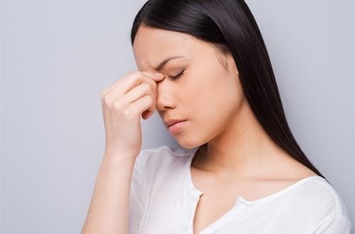 Gần ngày kinh nguyệt ra nhiều khí hư có phải bị viêm nhiễm phụ khoa?