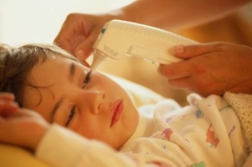 Phòng chống bệnh sốt xuất huyết cho trẻ