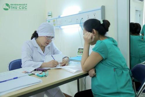 Nếu chẳng may tiếp xúc với người bị nhiễm Rubella, nên đi khám ngay lập tức cơ sở y tế.