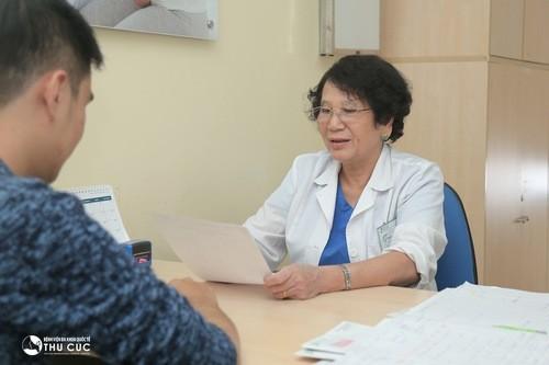 Để được chữa trị gai sinh dục, cần thăm khám để xác định chính xác từ đó có hướng chữa trị hiệu quả.