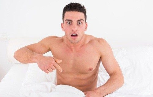 Nổi hạt trắng ở đầu dương vật là hiện tượng nhiều nam giới gặp phải.