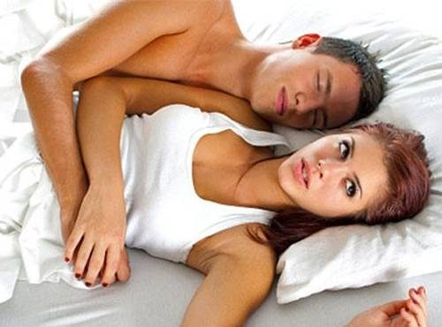 Quan hệ lần đầu xuất tinh ngoài có thai không?