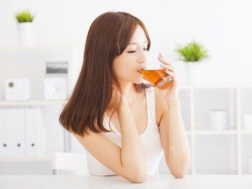 Trà có nhiều lợi ích cho sức khỏe tuy nhiên khi có thai uống trà được không là kiến thức rất cần thiết mà mẹ bầu cần tìm hiểu.