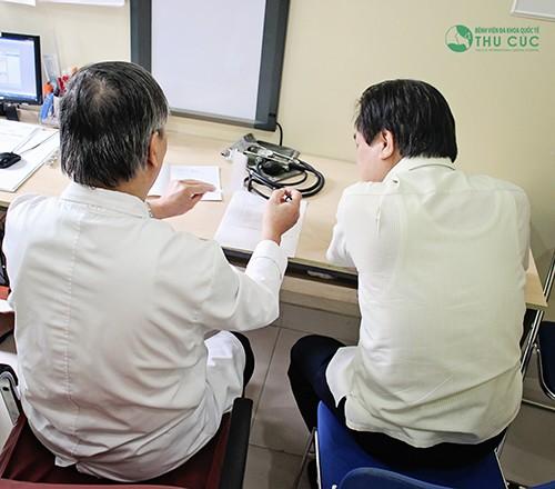 Nên đi khám tại các cơ sở y tế, bác sĩ sẽ tùy thuộc tình trạng mà có phương pháp xử trí thích hợp.