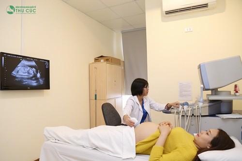 Nếu đã đi khám thai và bác sĩ cho biết thai phát triển bình thường thì không nên lo lắng.