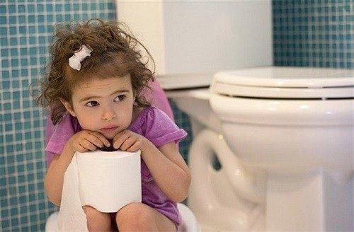 Tiểu buốt ở trẻ em – Nguyên nhân và cách xử trí