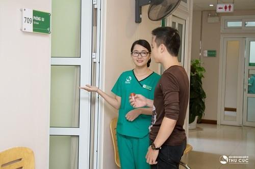 Cần đi khám tại các cơ sở y tế, tùy thuộc vào nguyên nhân gây bệnh cũng như tình trạng, bác sĩ sẽ chỉ định phương pháp điều trị thích hợp.