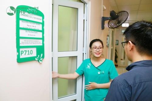 Ngay khi thấy những dấu hiệu của bệnh, cần phải đi thăm khám tại các cơ sở y tế