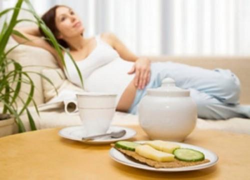 Chú ý chế độ dinh dưỡng hợp lý, và nghỉ ngơi khoa học để tăng sức đề kháng thời gian bầu bí.