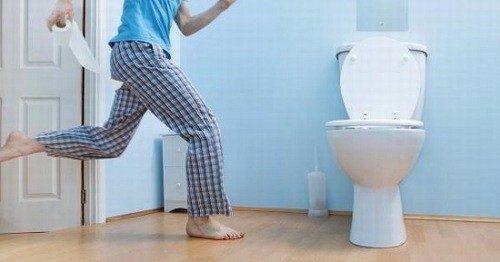 Tiểu nhiều khiến người bệnh khó chịu, ảnh hưởng nhiều trong cuộc sống sinh hoạt.