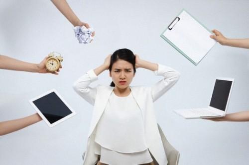 Căng thẳng quá mức khiến các hoạt động cơ thể bị trì trệ.