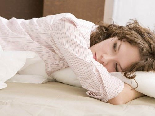 Ngứa vùng kín nữ là tình trạng thường gặp ở các chị em, gây ra những phiền toái và lo lắng