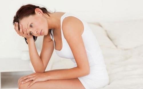 Tiểu tiện khó khăn, đau nhói khi tiểu, đau bụng dưới... là những triệu chứng của bệnh.