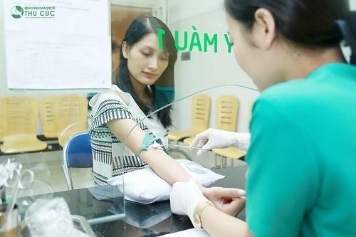 Thực hiện xét nghiệm máu cho kết quả mang thai hay không nhanh chóng, hiệu quả