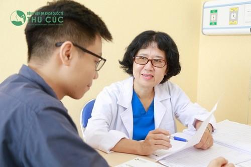 Khi phát hiện dấu hiệu của bệnh rận mu, cần đến các cơ sở y tế chuyên khoa để được bác sĩ kiểm tra thăm khám, áp dụng phương pháp điều trị phù hợp.