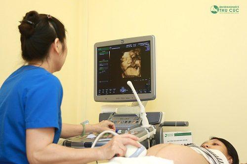 Chảy máu khi mang thai, cần đi khám ngay, tìm nguyên nhân để có hướng xử trí kịp thời.