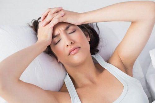 Mỏi mệt là dấu hiệu có thai dễ nhận thấy ở các chị em.