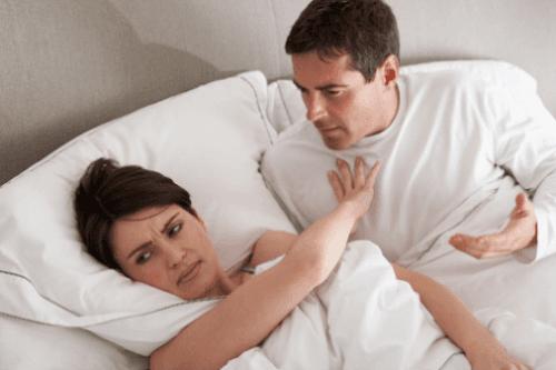 Đau rát khi quan hệ ảnh hưởng đến tình cảm vợ chồng.