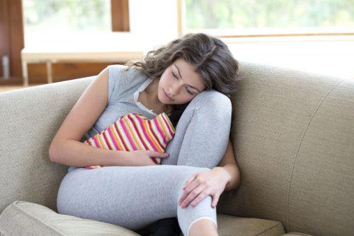 Kỳ kinh kéo dài bất thường gây ra nhiều khó chịu và lo lắng cho chị em.